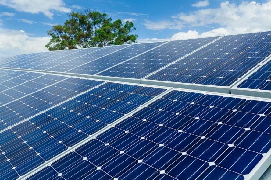 päikesepaneelid, päikesejaam, päikeseelektrijaam